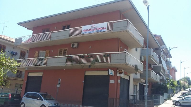 Aci Catena - Via Ettore...